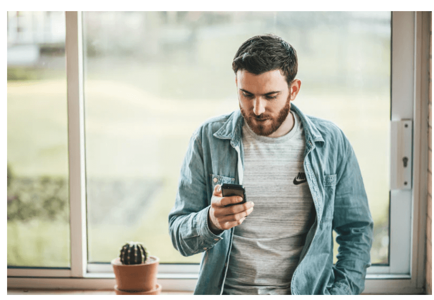 What Is VoIP Texting? How to Text Over the Internet
