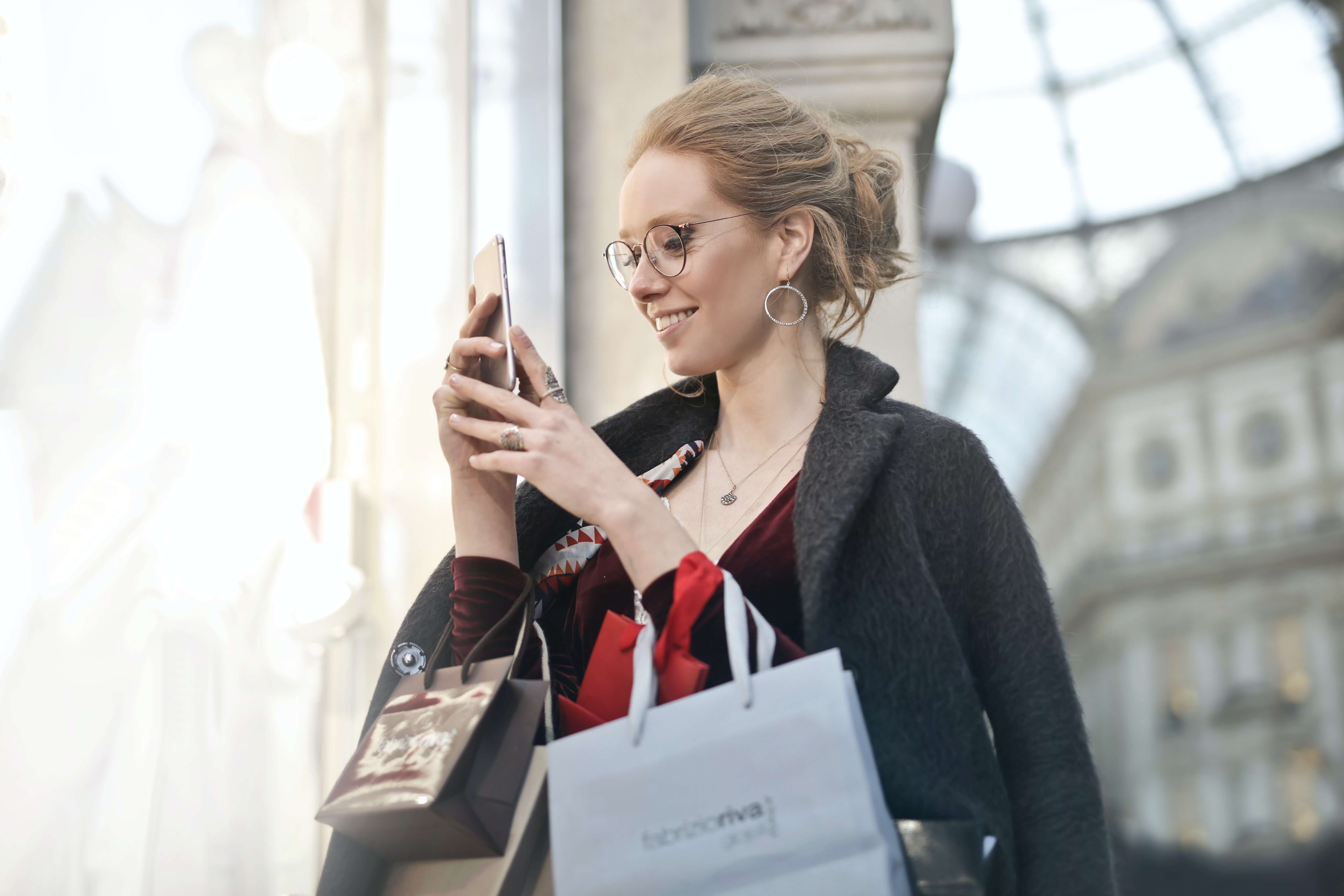SMS Marketing Tips for Black Friday & Cyber Monday - The Ultimate Guide